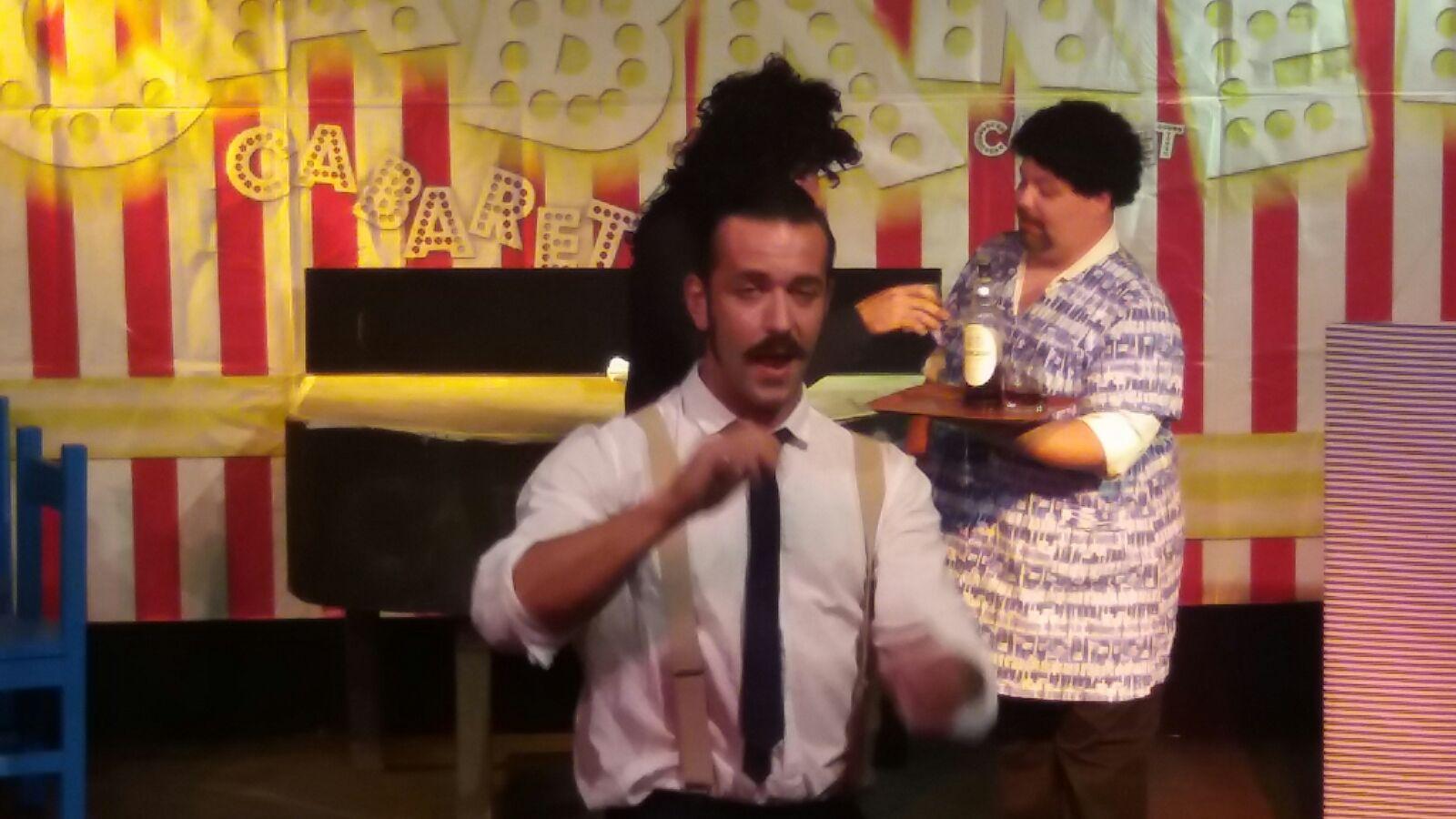 spettacoli teatrali e comici villaggio turistico